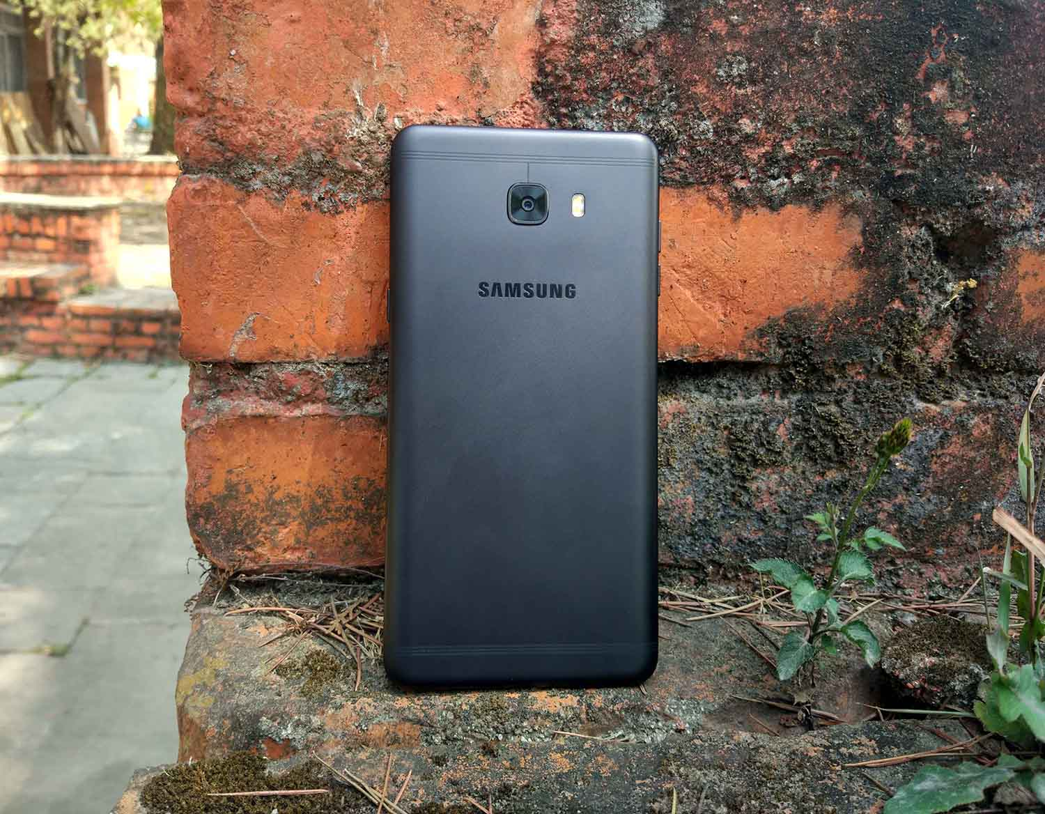 Samsung Galaxy C9 Pro Review